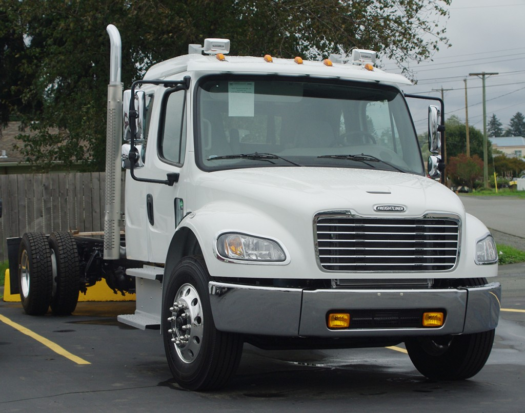 2016 Freightliner M2 132 Extended Cab Single Axle Bailey