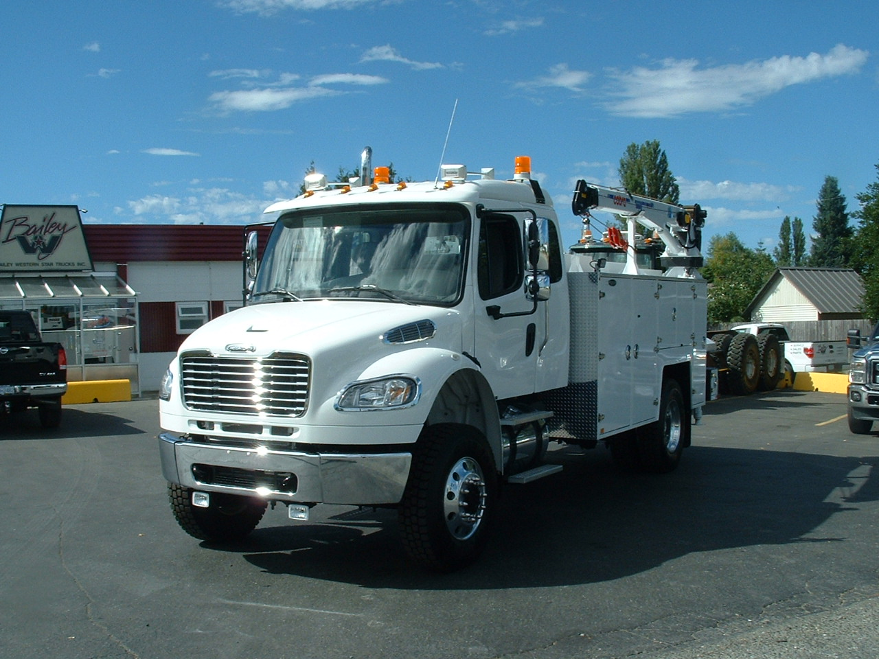 Freightliner Single Axle Sleeper >> 2014 Freightliner M2-132 Ext. Cab 4x4 - Rigged W/ Brutus Service Body - Bailey Western Star