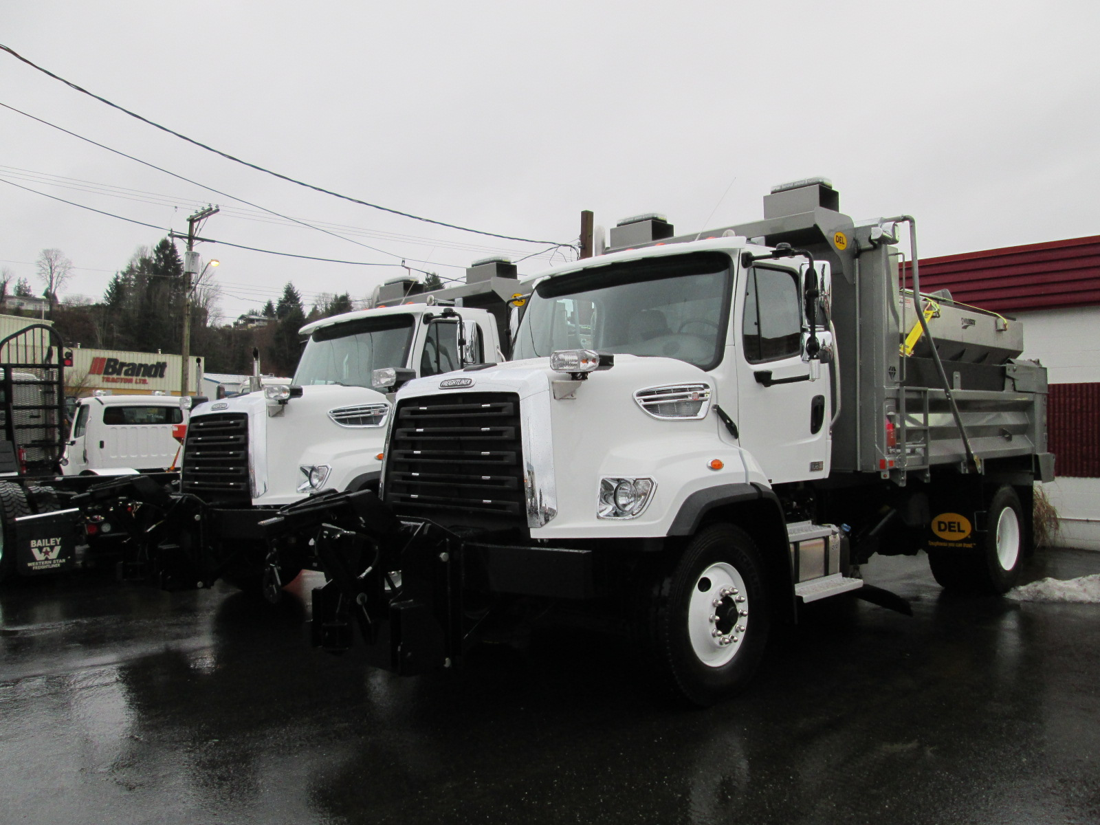 Single Axle Tractor With Sleeper >> City of Powell River - Bailey Western Star